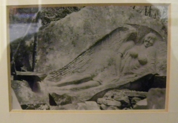 Cavern reclining Statue (small)