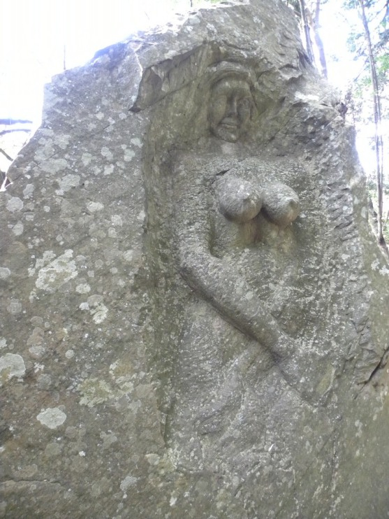 Cavern upright Statue (small)