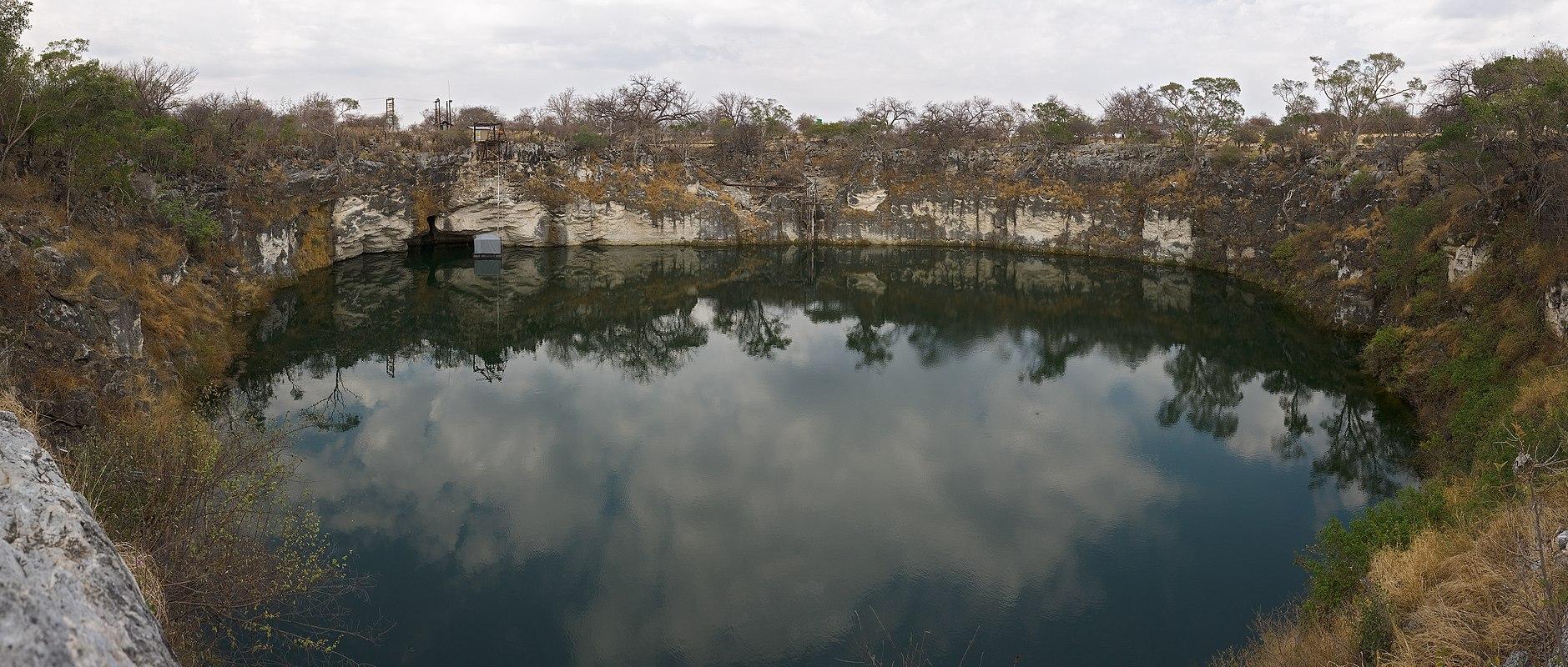 SWA_Otjikoto lake