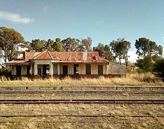 Petrus_Steyn_Train_Station_ruins