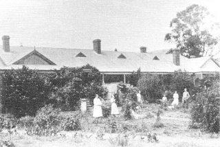 Harrismith Kings Hill Dr's Res (maternity home)