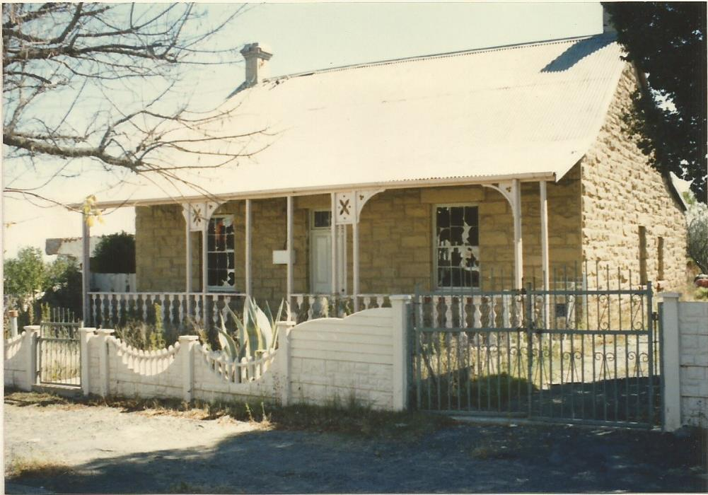 Cottage behind Royal Hotel Harrismith