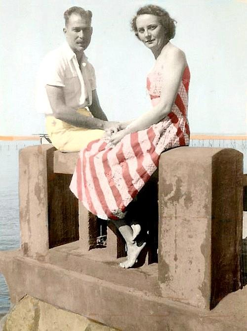 LM Mocambique dockside honeymoon 1951 - colorised